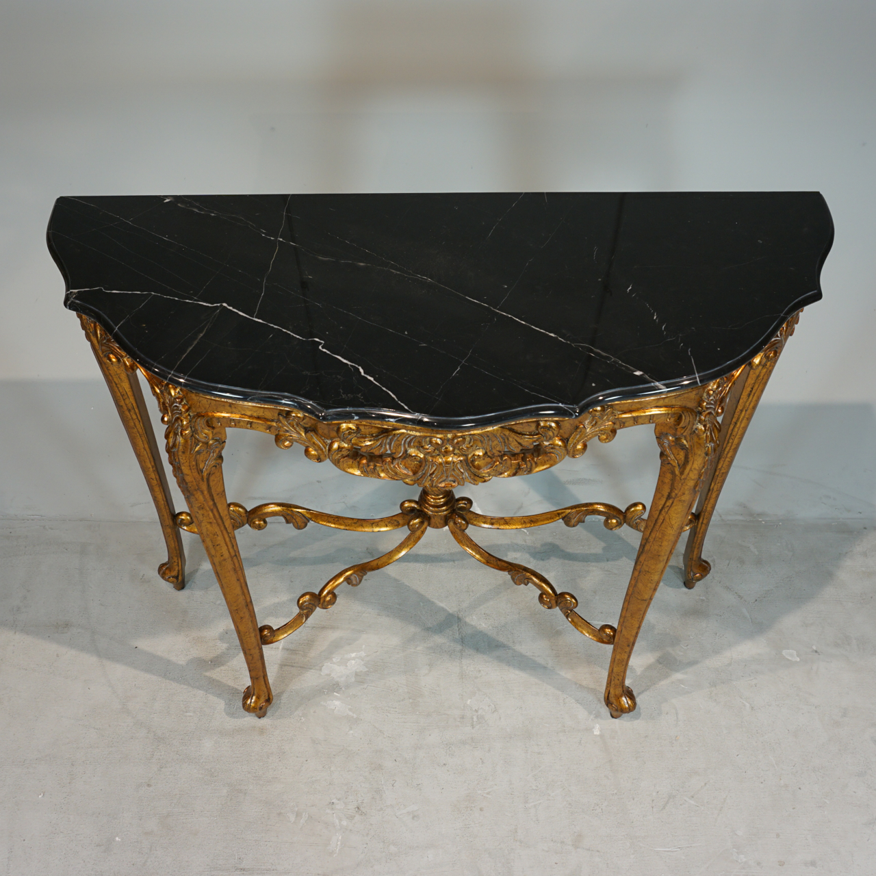 LOUIS XV CONSOLE TABLE | Chic By Janssen